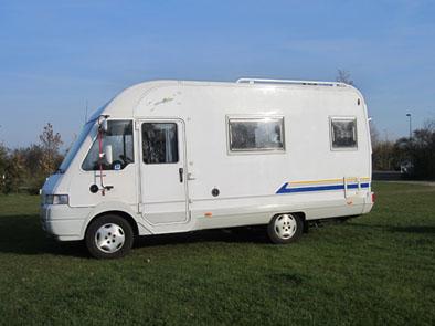 6 Persoons Caravan Met Stapelbed En Vastbed.Cb Webdesign 900x800